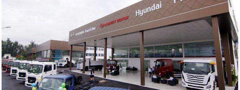 Thi-cong-mat-bang-aluminium-Showroom-Hyundai-Phu-My-03